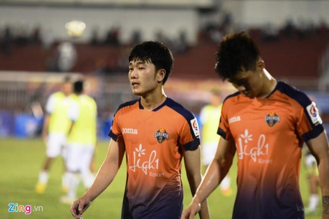Xuan Truong choi 66 phut, CLB Gangwon co tran thang 2-1 hinh anh 1