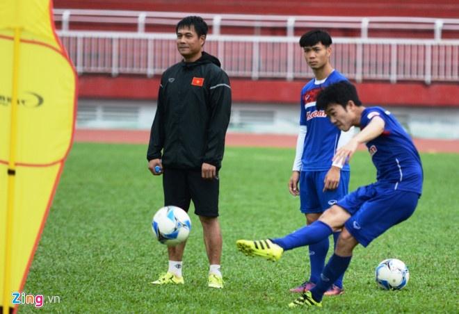 U22 VN 8-1 U22 Macau: Xuan Truong tro lai an tuong hinh anh 15