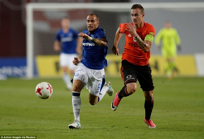 Rooney cung Everton vao vong play-off Europa League hinh anh 9