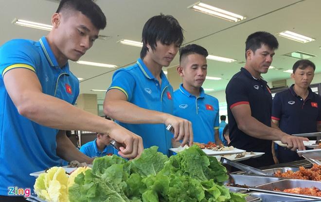 Mokpo vs U22 VN (1-4): Hong Duy, Duc Chinh lap cu dup hinh anh 5