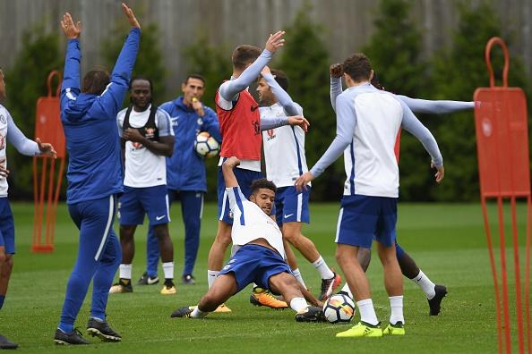 Morata cang thang truoc tran mo man o Premier League hinh anh 3