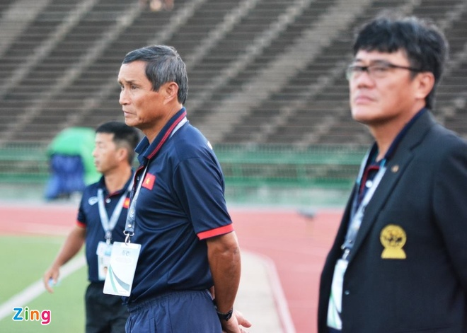 Doi tuyen Viet Nam chat vat thang Campuchia 2-1 hinh anh 14