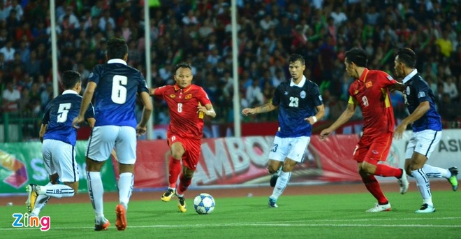 Doi tuyen Viet Nam chat vat thang Campuchia 2-1 hinh anh 23