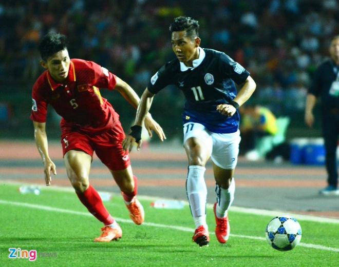 Doi tuyen Viet Nam chat vat thang Campuchia 2-1 hinh anh 25
