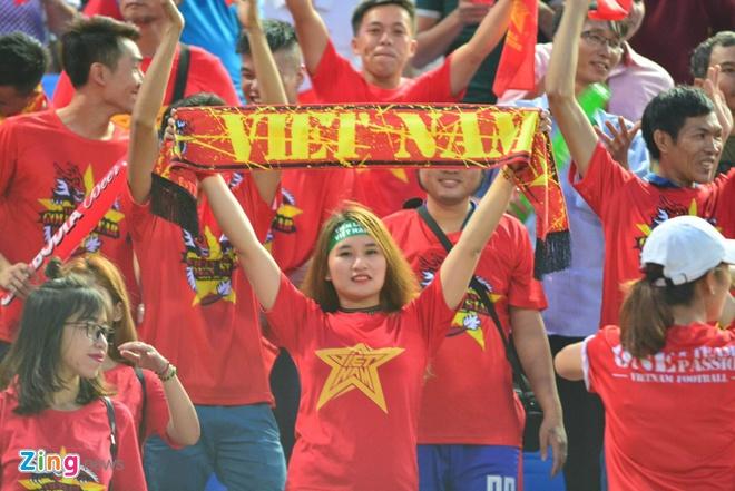 Doi tuyen Viet Nam chat vat thang Campuchia 2-1 hinh anh 18
