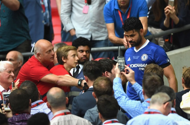Chelsea loai Costa khoi danh sach du Champions League hinh anh 1
