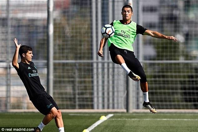 Zidane dua ra thu thach moi cho Ronaldo hinh anh 1