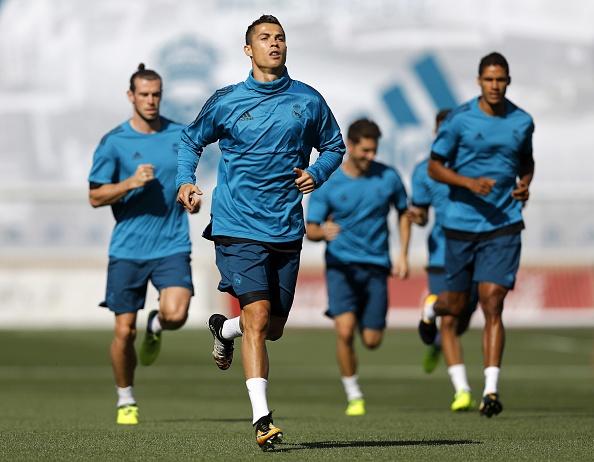 Ronaldo tich cuc chuan bi cho lan dau ra san mua nay hinh anh 1