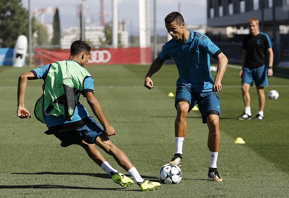 Ronaldo tich cuc chuan bi cho lan dau ra san mua nay hinh anh 3