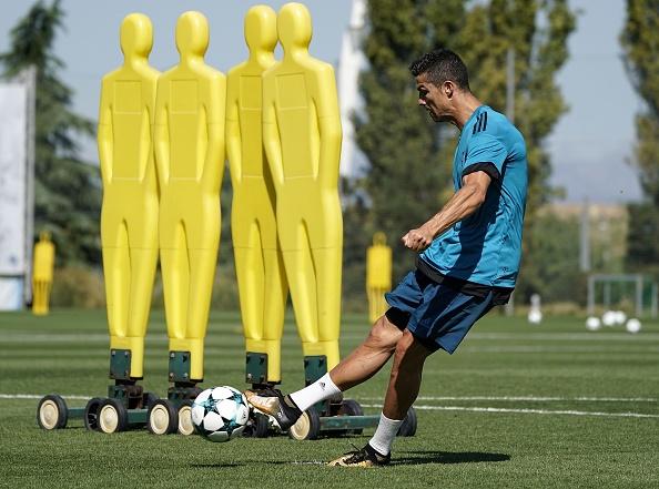 Ronaldo tich cuc chuan bi cho lan dau ra san mua nay hinh anh 4