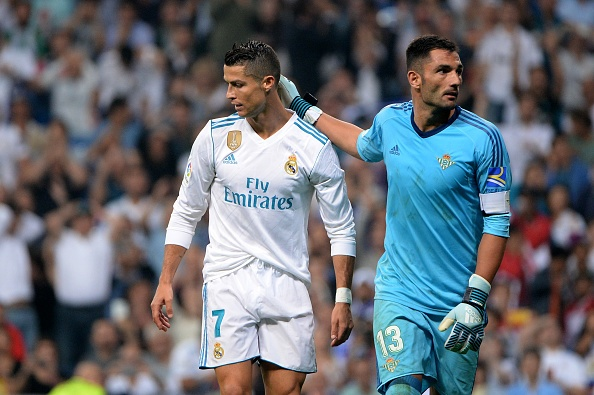 Zidane khong qua lo lang du Real kem Barca 7 diem hinh anh 1
