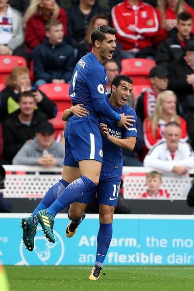 Stoke vs Chelsea (0-4): Morata lap hat-trick, solo ghi ban hinh anh 15