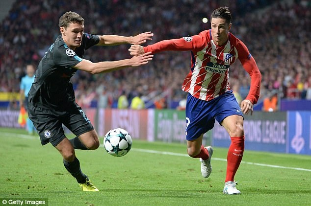 Torres, Costa chup anh cung ngoi sao giup Chelsea thang Atletico hinh anh 8