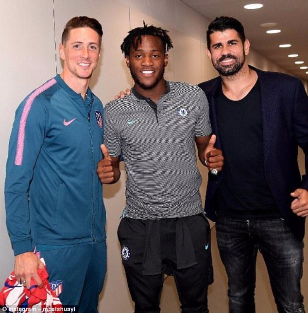 Torres, Costa chup anh cung ngoi sao giup Chelsea thang Atletico hinh anh 1