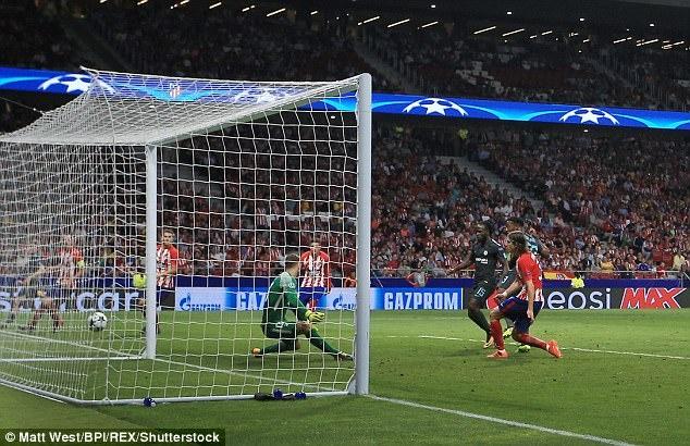 Torres, Costa chup anh cung ngoi sao giup Chelsea thang Atletico hinh anh 3