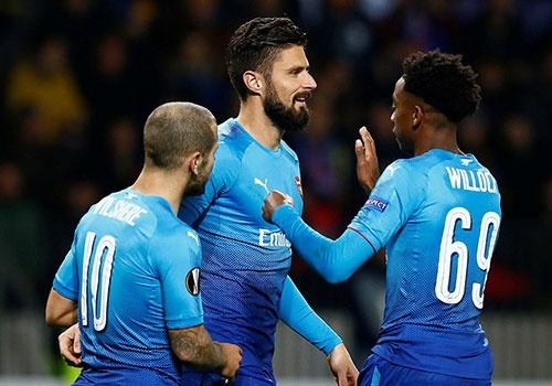 Arsenal tiep tuc choi thang hoa o Europa League hinh anh