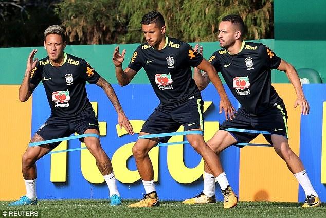 Neymar khoe anh chup cung huyen thoai 'Ro beo' hinh anh 8