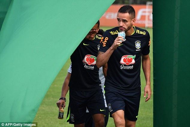 Neymar khoe anh chup cung huyen thoai 'Ro beo' hinh anh 9