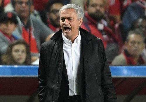 MU mao hiem danh mat ban sac duoi thoi Mourinho hinh anh