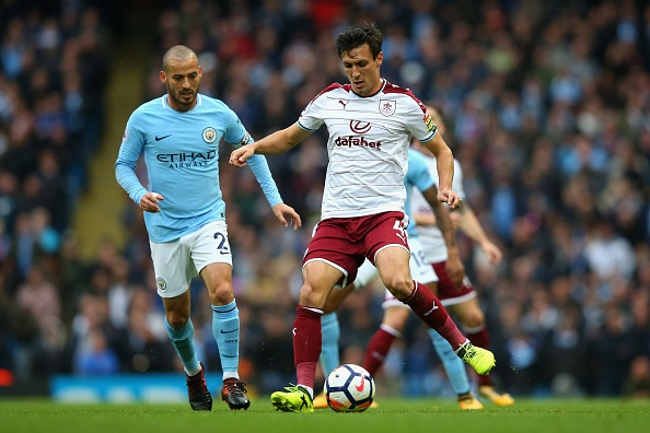 Man City vs Burnley (3-0): Aguero lap ky luc ghi ban hinh anh 19