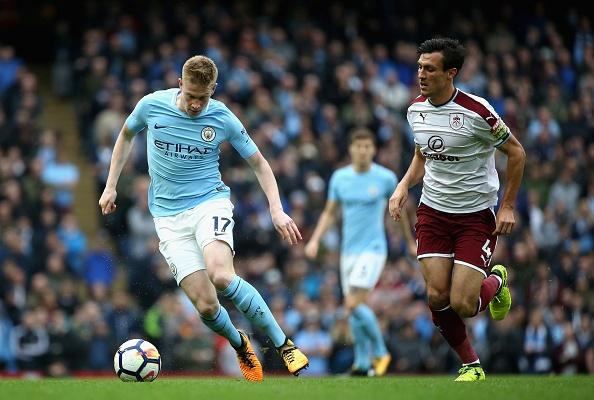 Man City vs Burnley (3-0): Aguero lap ky luc ghi ban hinh anh 20