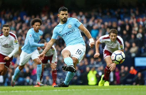 Man City vs Burnley (3-0): Aguero lap ky luc ghi ban hinh anh 22