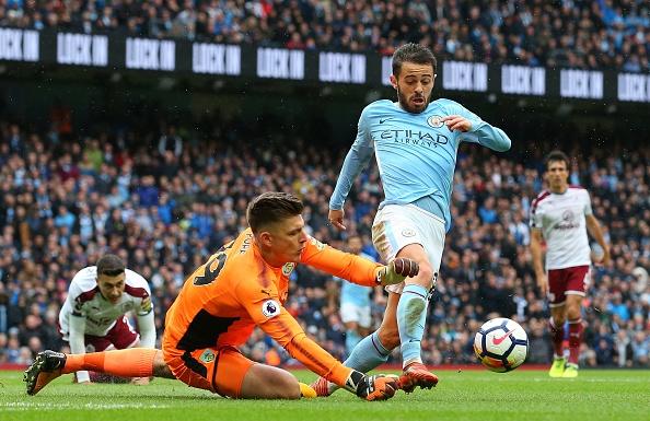 Man City vs Burnley (3-0): Aguero lap ky luc ghi ban hinh anh 27