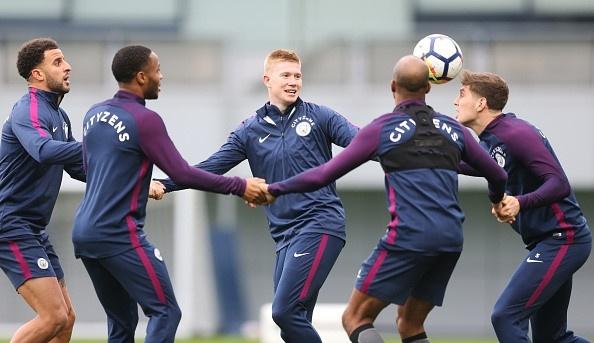 Man City vs Burnley (3-0): Aguero lap ky luc ghi ban hinh anh 3