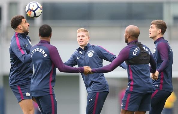 Man City vs Burnley (3-0): Aguero lap ky luc ghi ban hinh anh 4