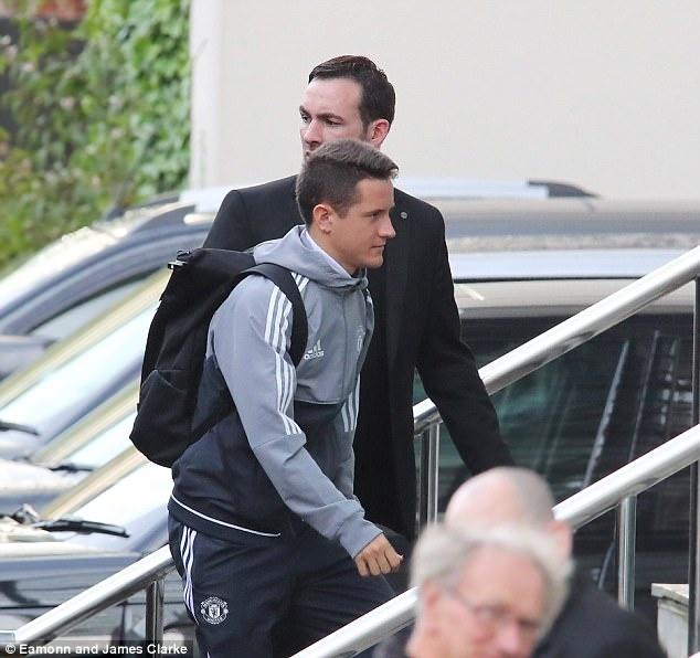 Rooney den khach san truoc doi cu MU anh 6