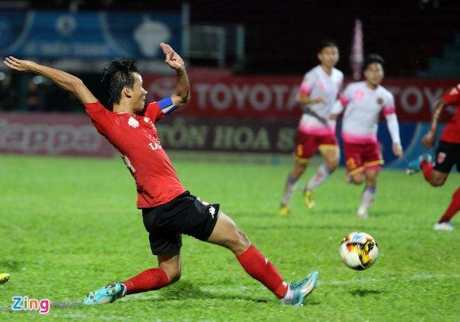CLB Thanh Hoa thua doi Quang Ninh 3-4 vi hang phong ngu mac sai lam hinh anh 17