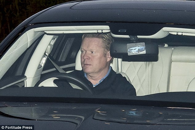 Doi bong cua Rooney sa thai HLV Koeman hinh anh 1