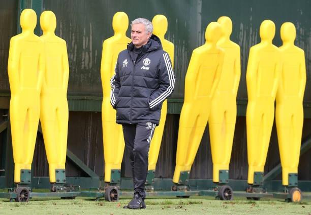 Mourinho tiet lo MU choi toc do nhanh khi gap Tottenham hinh anh 2