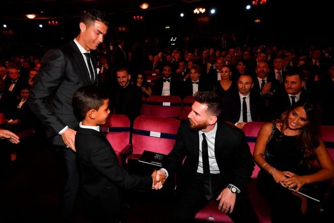 Ronaldo: 'Day con de tro thanh so 1 can tai nang, ren luyen va dam me' hinh anh 3