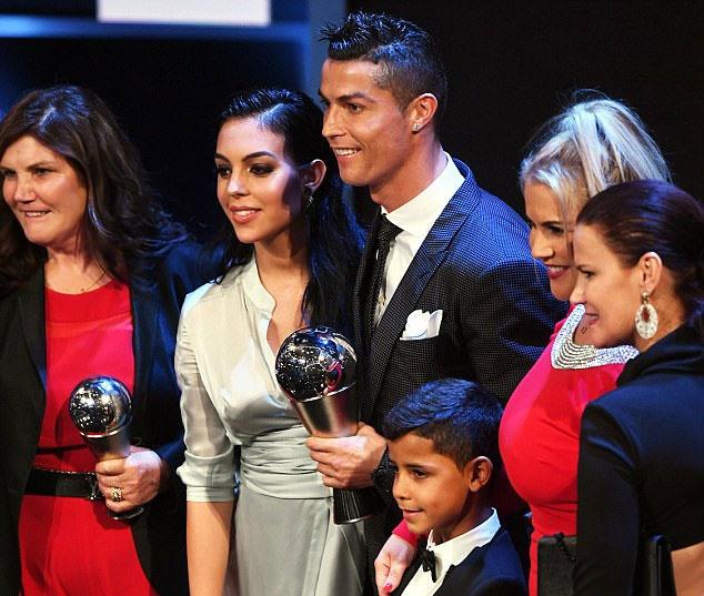 Ronaldo: 'Day con de tro thanh so 1 can tai nang, ren luyen va dam me' hinh anh 7