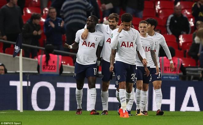 Tottenham thua West Ham 2-3 du dan truoc 2 ban hinh anh 6