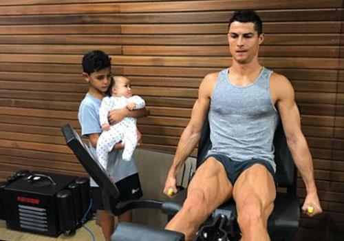 Ronaldo: 'Day con de tro thanh so 1 can tai nang, ren luyen va dam me' hinh anh