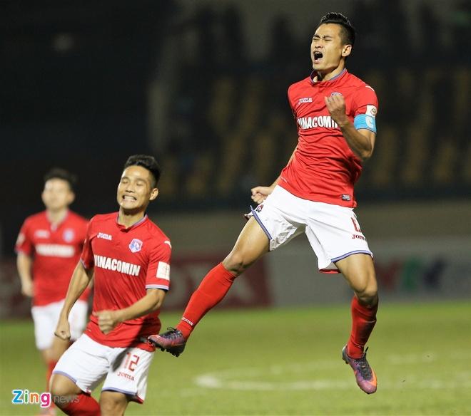 CLB Quang Ninh thang Hai Phong 1-0, CLB Thanh Hoa danh bai Long An 2-0 hinh anh 13