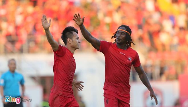 CLB Quang Ninh thang Hai Phong 1-0, CLB Thanh Hoa danh bai Long An 2-0 hinh anh 10