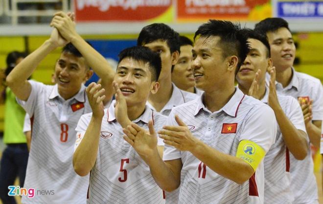 DT futsal VN thua soc Malaysia 1-5 o ban ket Dong Nam A hinh anh 11
