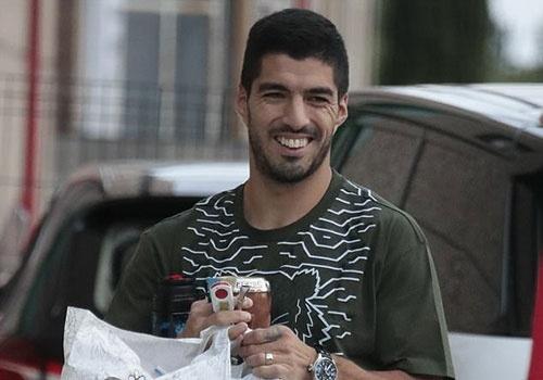 Dan sao Barca hao huc mung sinh nhat con trai Messi hinh anh