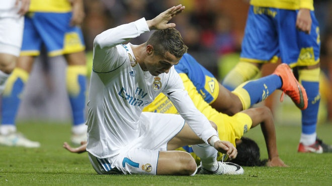 'Ronaldo buon ba ve nha sau tran khong ghi ban' hinh anh
