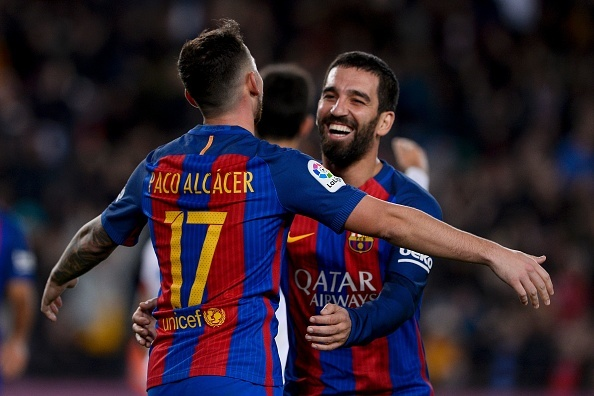 Doi hinh ngoi sao du bi ket hop Real va Barca hinh anh