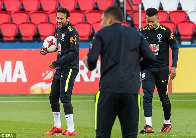 Mario Balotelli dem niem vui bat ngo cho Neymar hinh anh 4