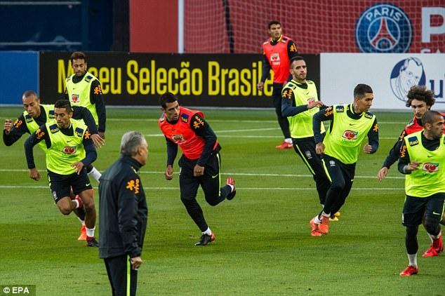 Mario Balotelli dem niem vui bat ngo cho Neymar hinh anh 6