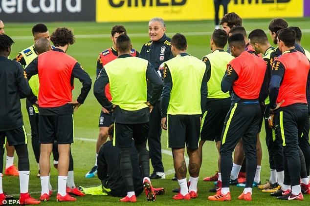 Mario Balotelli dem niem vui bat ngo cho Neymar hinh anh 7