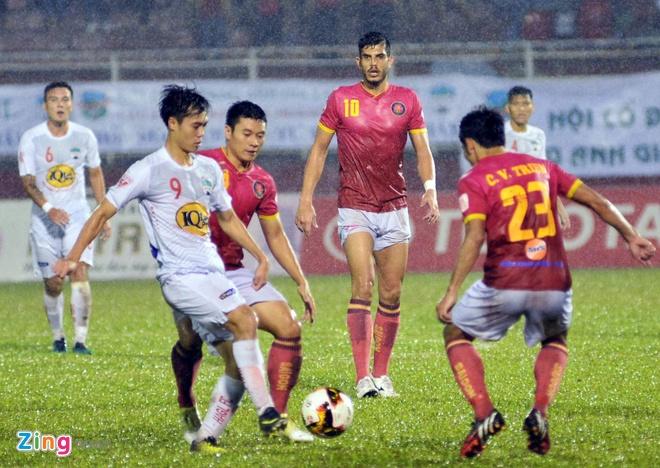 HLV Hoang Van Phuc mung phat khoc khi CLB Quang Nam len ngoi dau hinh anh 8
