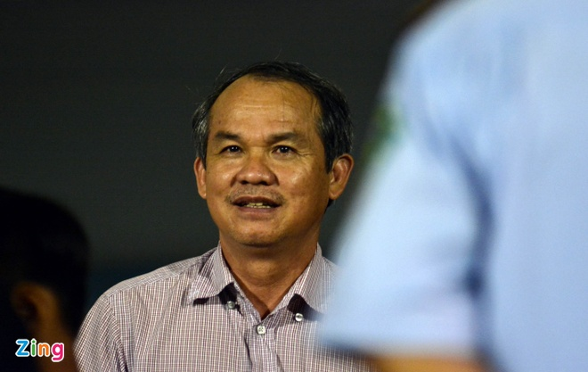 HLV Hoang Van Phuc mung phat khoc khi CLB Quang Nam len ngoi dau hinh anh 12