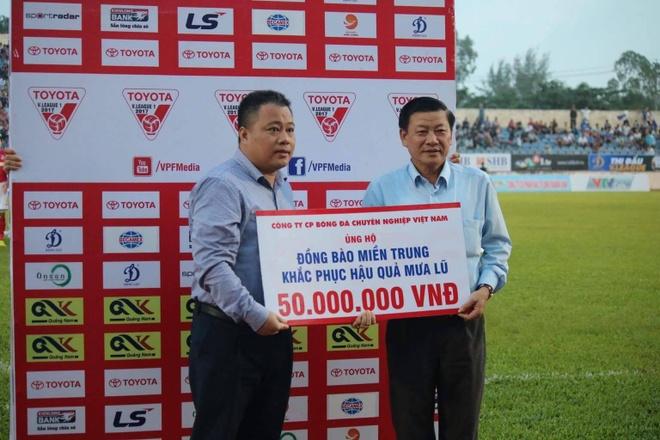 HLV Hoang Van Phuc mung phat khoc khi CLB Quang Nam len ngoi dau hinh anh 19
