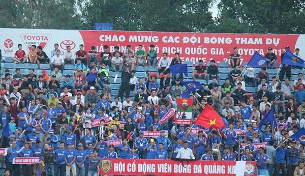 HLV Hoang Van Phuc mung phat khoc khi CLB Quang Nam len ngoi dau hinh anh 20